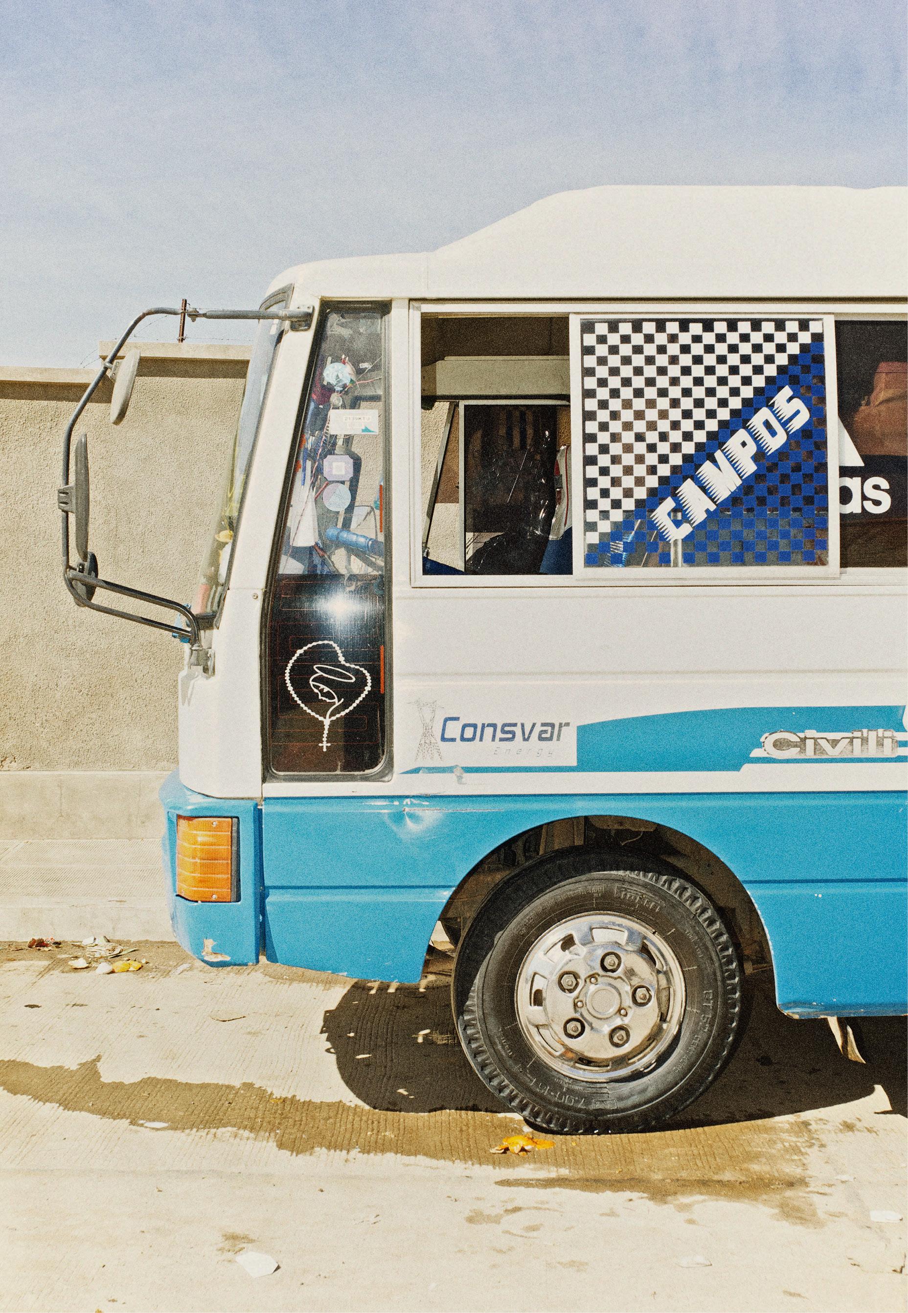 O ônibus em que Ismael agora trabalha. Crédito: Eudes de Santana