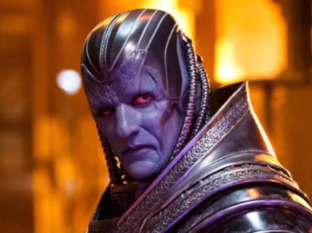 """Deu pra reconhecer? É Oscar Isaac em """"X-Men"""""""