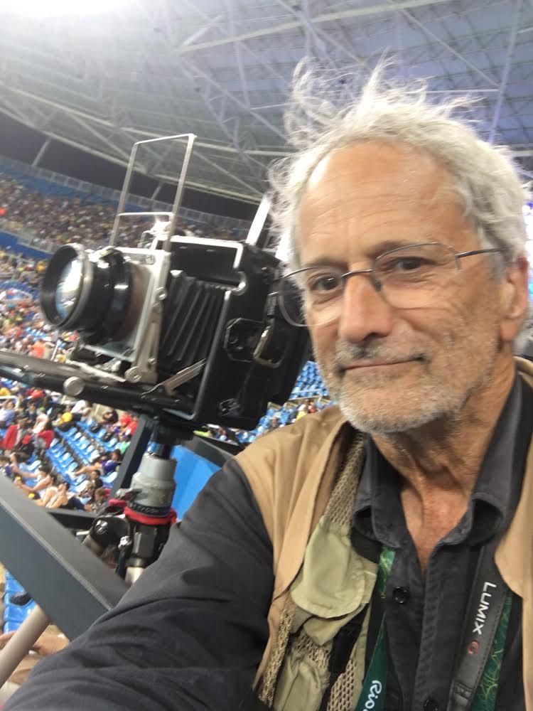 Pedimos uma foto recente para David. Ele mandou essa selfie olímpica